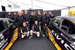 Benjamin Lessennes, Tom Coronel, Boutsen Ginion Racing, Honda Civic Type-R TCR with the team