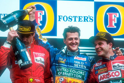 Podium: winnaar Michael Schumacher, tweede Gerhard Berger, derde Rubens Barrichello