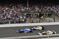 Takuma Sato, Andretti Autosport Honda, Ed Jones, Dale Coyne Racing Honda, Helio Castroneves, Team Penske Chevrolet