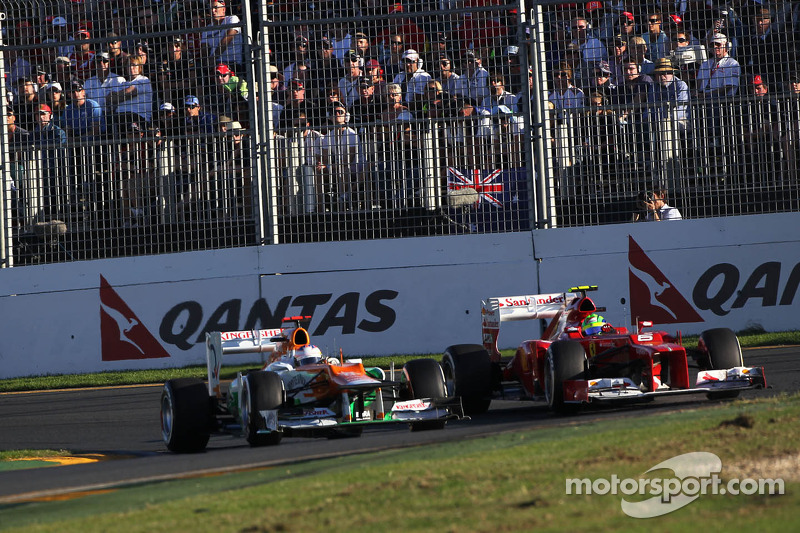 Paul di Resta, Sahara Force India Formula One Team and Felipe Massa, Scuderia Ferrari
