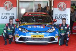 MG KX Momentum Racing Jason Plato and Andy Neate