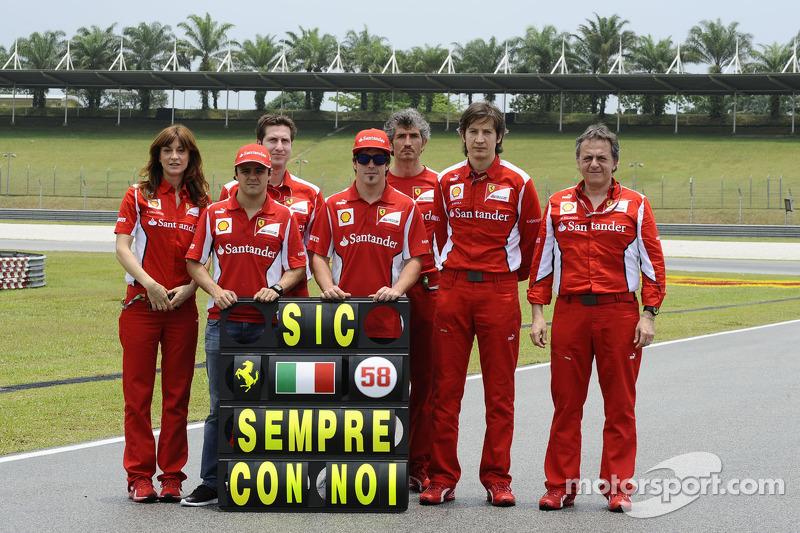 Fernando Alonso, Felipe Massa en Scuderia Ferrari eerbetoon aan Marco Simoncelli