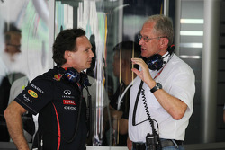 Christian Horner, Red Bull Racing Team Principal en Dr Helmut Marko, Red Bull Motorsport Consultant