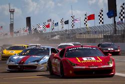 Start: #24 Ferrari of Beverly Hills 458TP: Carlos Kauffmann crashes