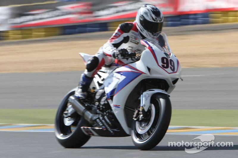 99 Hugo Marchand Honda CBR 1000RR Daffix Racing At French Superbike
