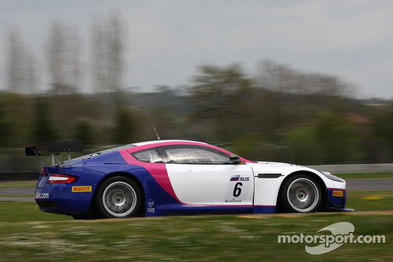 #6 Valmon Racing Team Russia Aston Martin DBRS9: Tom Kimber-Smith, Natalia Freidina