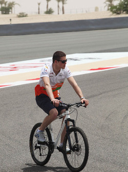 Paul di Resta, Sahara Force India F1 cycles the circuit