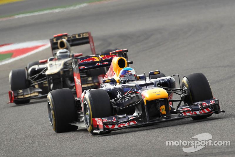Sebastian Vettel, Red Bull Racing voor Kimi Raikkonen, Lotus Renault F1 Team