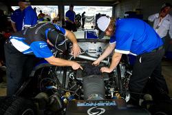Michael Shank Racing with Curb-Agajanian team members at work