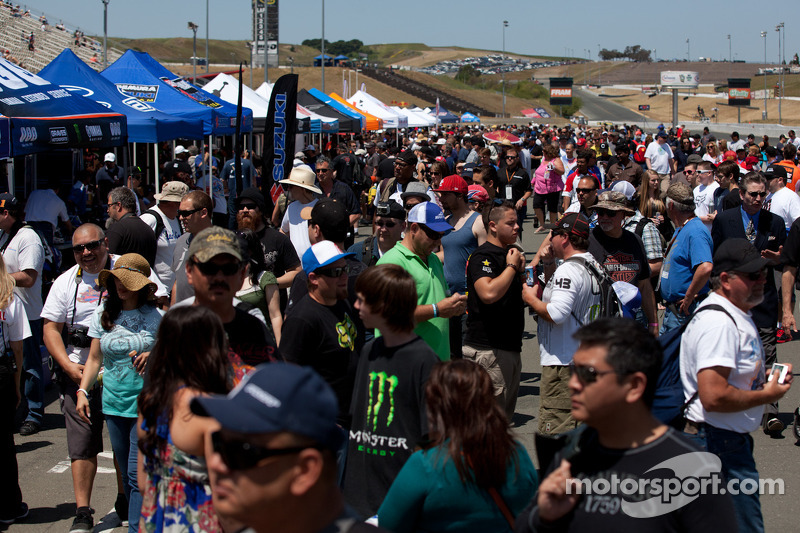 Saturday Crowd at Infineon