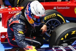 Sebastian Vettel, Red Bull Racing keeps his brakes cool