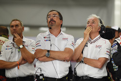 Rob Leupen, Takım Menajeri, Toyota Gazoo Racing ve Hugues de Chaunac, #9'un yarış dışı kalmasına tepki gösteriyor