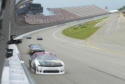 Тайлер Реддик, Chip Ganassi Racing Chevrolet и Би-Джей Маклауд, BJ McLeod Motorsports Chevrolet