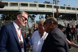 Sean Bratches, Formel-1-Marketingchef, Enzo Spano, FIA-Rennkommissar, Antonio Perez Garibay, Vater von Sergio Perez