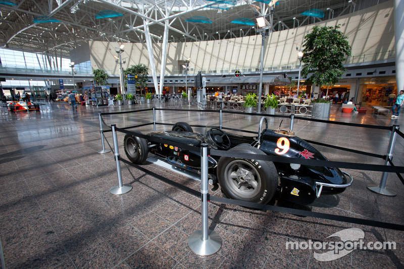 Indycar in Indianapolis International Airport