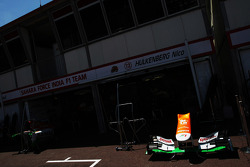 Sahara Force India F1 VJM05 nosecone in the pits
