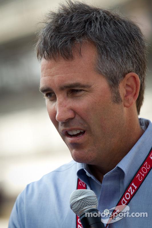 Honorary green flag ceremony: Chief Executive Officer of IndyCar Randy Bernard