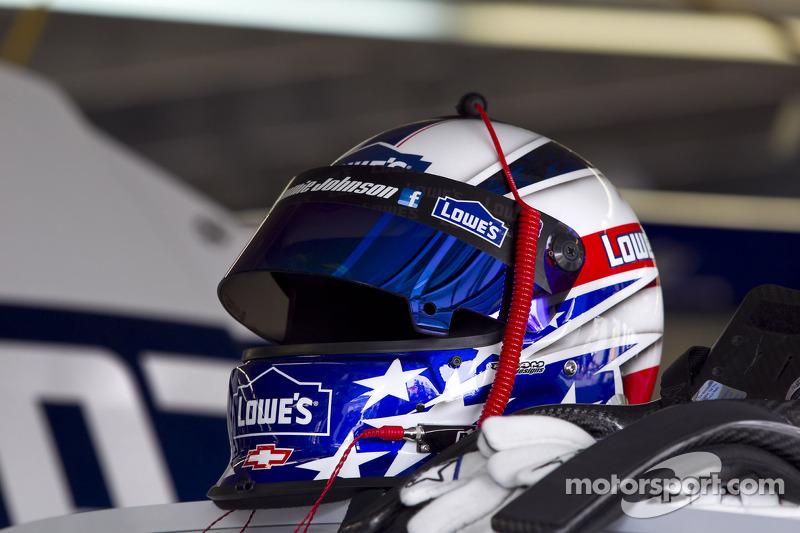 Helm van Jimmie Johnson, Hendrick Motorsports Chevrolet