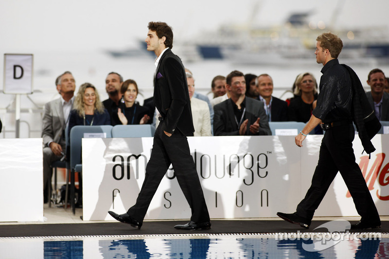 Jules Bianchi, Sahara Force India F1 Team derde rijder op de Amber Lounge Fashion Show