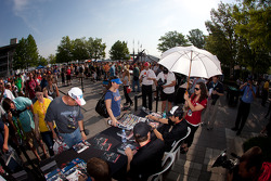Autograph session ambiance