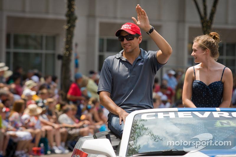 Indy 500 festival parade: Justin Wilson, Dale Coyne Racing Honda