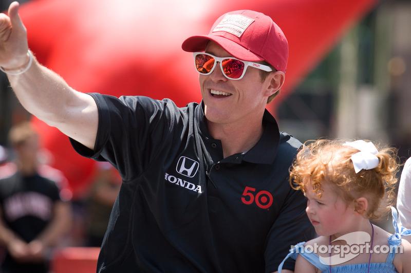 Indy 500 festival parade: Scott Dixon, Target Chip Ganassi Racing Honda