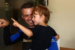 Drivers visit Zoomarine, Tiago Monteiro, SEAT Leon WTCC, Tuenti Racing Team and his son