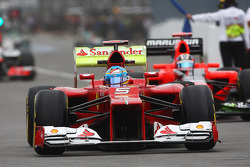 Fernando Alonso, Scuderia Ferrari running flow-vis paint