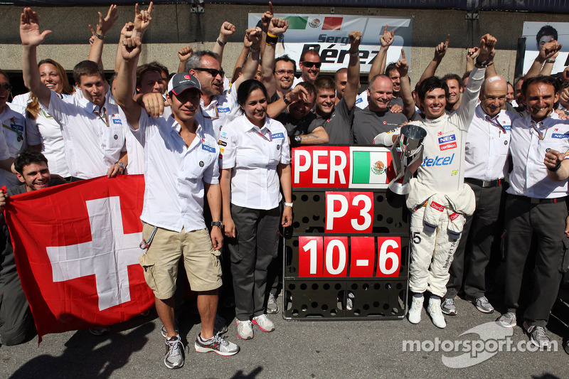 Kamui Kobayashi, Sauber F1 Team F1 Team with 3rd place Sergio Perez, Sauber F1 Team F1 Team with the team and Peter Sauber F1 Team