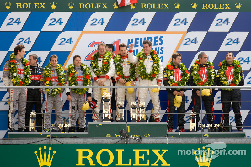 LMP2 podium: winnaars in klasse Enzo Potolicchio, Ryan Dalziel, Tom Kimber-Smith, 2de Pierre Thiriet, Mathias Beche, Christophe Tinseau, 3de Luis Perez Companc, Pierre Kaffer, Soheil Ayari