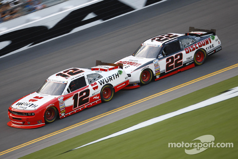 Sam Hornish Jr. en Brad Keselowski