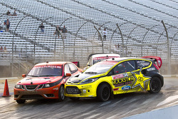 Andy Scott, David Binks and Tanner Foust race for position