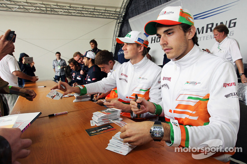 Paul di Resta, Sahara Force India F1; Nico Hulkenberg, Sahara Force India F1 ve Jules Bianchi, Sahar