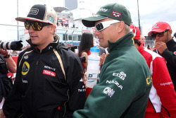 Kimi Raikkonen, Lotus F1 Team y Heikki Kovalainen, Caterham F1 Team