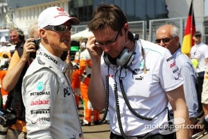 Michael Schumacher, Mercedes AMG F1 with Andrew Shovlin, Mercedes AMG F1 Engineer on the grid