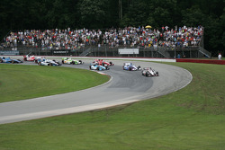 Will Power, Team Penske Chevrolet leads the pack through corner 4