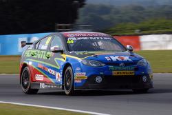 Andy Neate, MG KX Momentum Racing