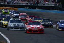 Race start -  Pole sitter Juan Pablo Montoya, Earnhardt Ganassi Racing Chevrolet