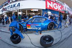 Pit stop for #61 R&D Sport Subaru BRZ GT300: Tetsuya Yamano, Kota Sasaki