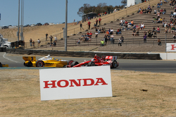 Helio Castroneves, Penske Truck Rental Chevrolet and Scott Dixon, Target Chip Ganassi Racing Honda