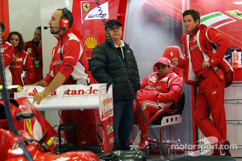 Felipe Massa, Ferrari with vader Luiz Antonio Massa en Rob Smedley, Ferrari Race Engineer