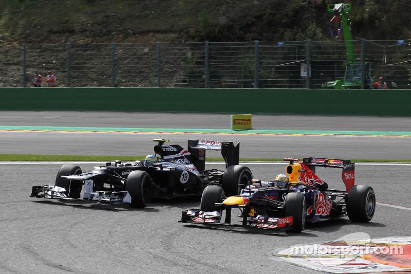 Bruno Senna, Williams F1 Team and Sebastian Vettel, Red Bull Racing