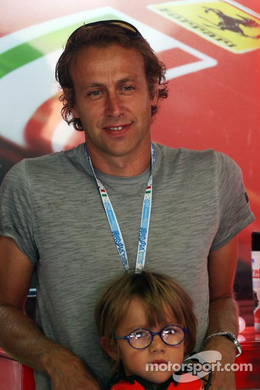 Luca Badoer met zoon