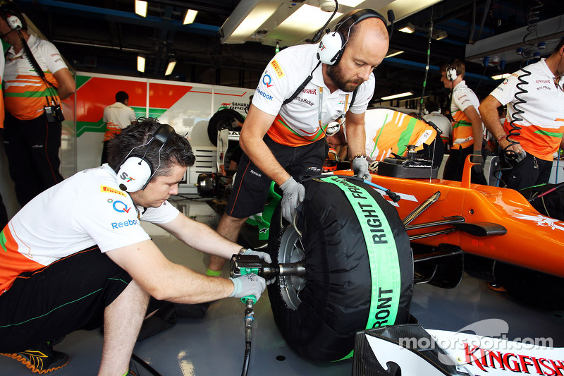 Sahara Force India F1 Team mecanicien