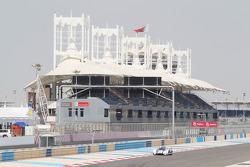 Том Кристенсен и Аллан МакНиш. Бахрейн, пятничная квалификация.