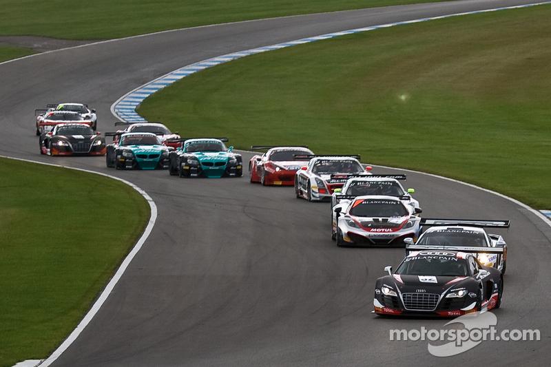 #32 Belgian Audi Club Team WRT Audi R8 LMS ultra: Adam Carroll, Laurens Vanthoor leads from the start