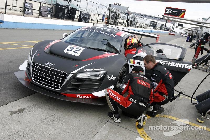 #32 Belgian Audi Club Team WRT Audi R8 LMS ultra: Adam Carroll, Laurens Vanthoor