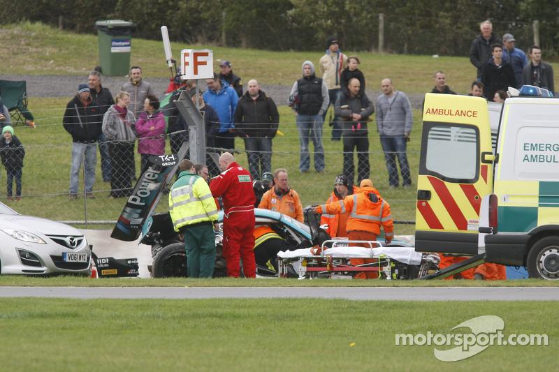 Crash aftermath #18 BMW Team Vita4one BMW Z4 GT3: Michael Bartels, Yelmer Buurman