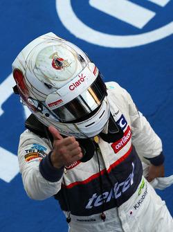 Kamui Kobayashi, Sauber celebrates his third position in parc ferme
