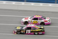 Clint Bowyer, MIchael Waltrip Racing, Toyota; Greg Biffle, Roush Fenway Racing, Ford